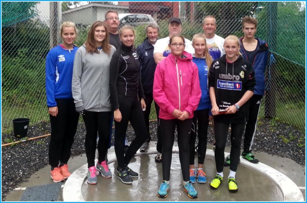 Deltakerne i kaststevnet i kaststevnet i Dalen. Foto: Arvid Ottestad