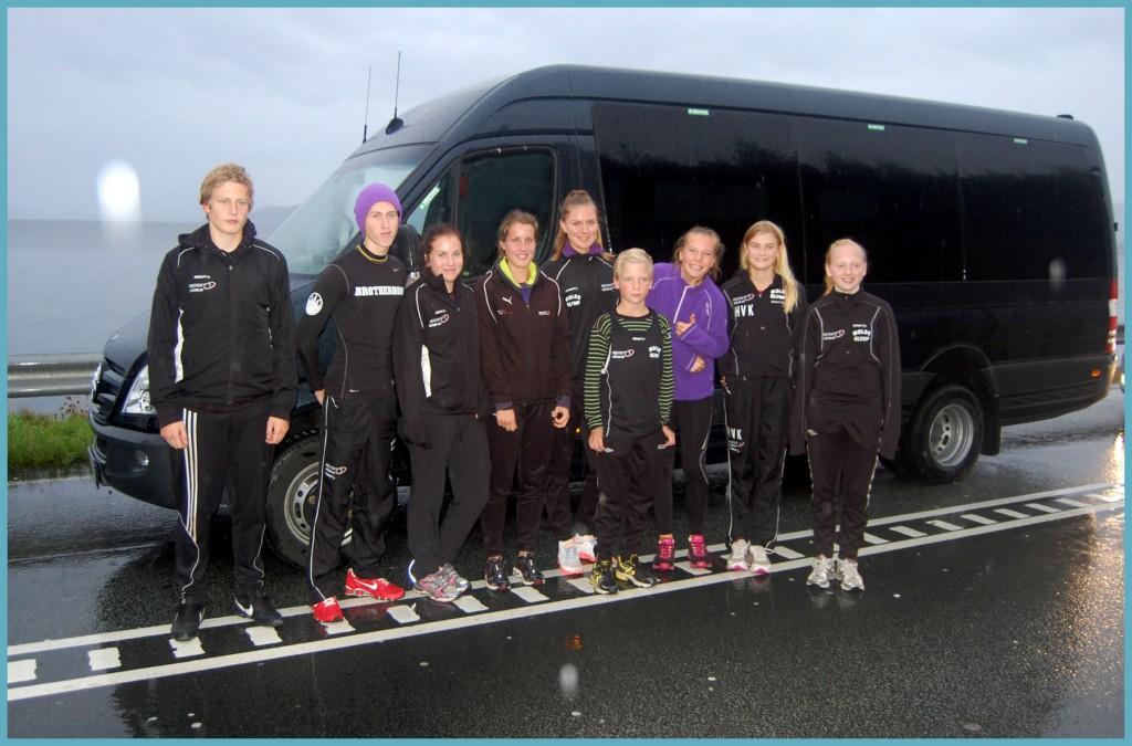 Med på busstur Høddvoll - Fra venstre: Damian, Ivar, Astrid Marie, Vilde, Synnøve, Birk, Benedicte, Hannah og Astrid. Foto: Arvid Ottestad