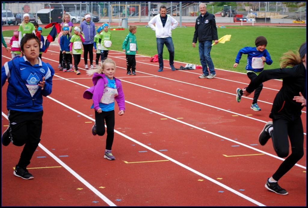 Fra løpsøvelsene i DnB Idrettsleker på Molde idrettspark Foto: John Arve Brødreskift