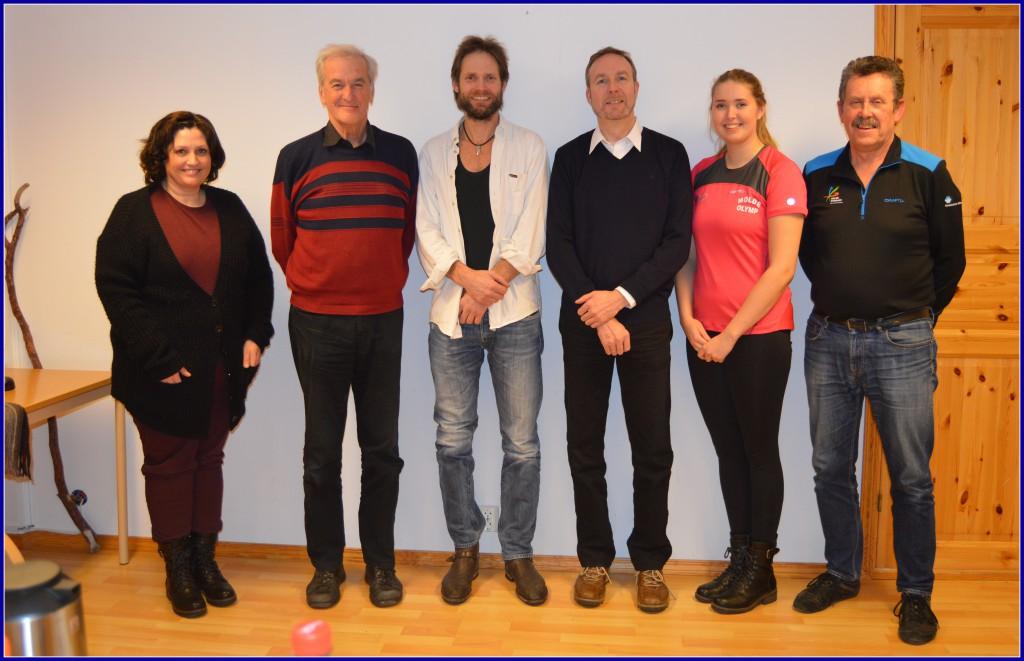 Fra venstre: Gunn Oshaug, Øystein Standal, Terje Gautvik, John Arve Brødreskift, Frida Brødreskift og Arvid Ottestad. Per Johan Gussiås var på reise og ikke til stede på årsmøtet.