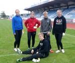 Sleggekasterne Kristin, Susanne, Kasper, Frida og Jakob (foran)